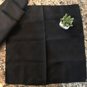 Other - 🍴 Set of 4 Black Dinner Napkins